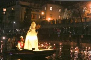 Nikolausschwimmen Nikolaus